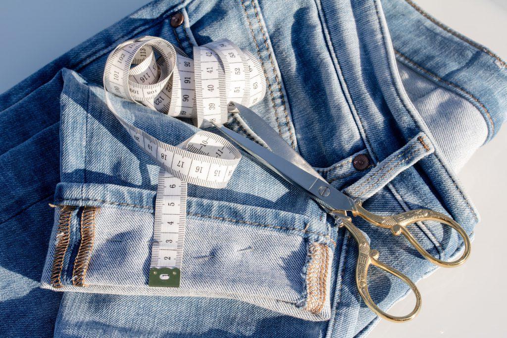 Die Nähmaschine mit Overlockstich auf konsumguerilla.de