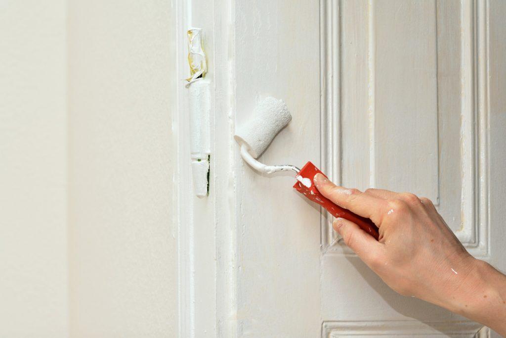 Kann man Kunststofftüren streichen? auf konsumguerilla.de