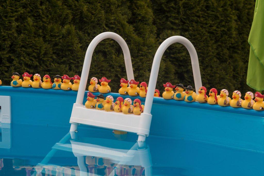 Welchen Pool bauen? auf konsumguerilla.de